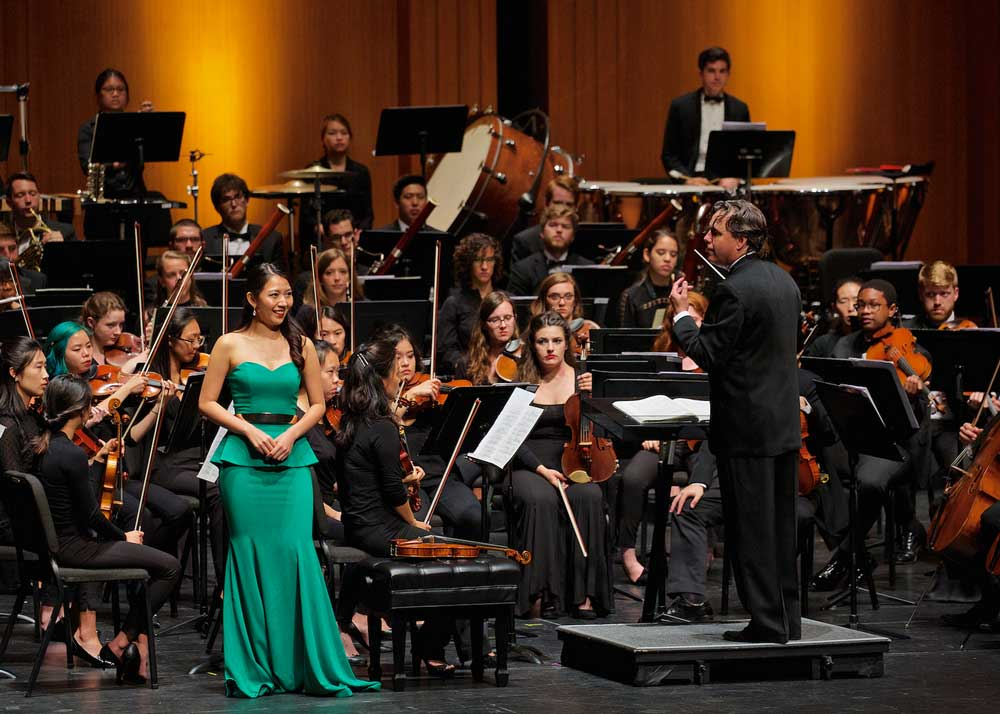 Soprano Pureum Jo performs with the Spoleto Festival USA Orchestra during Mahler 4 and Dreaming. Photo by William Struhs.