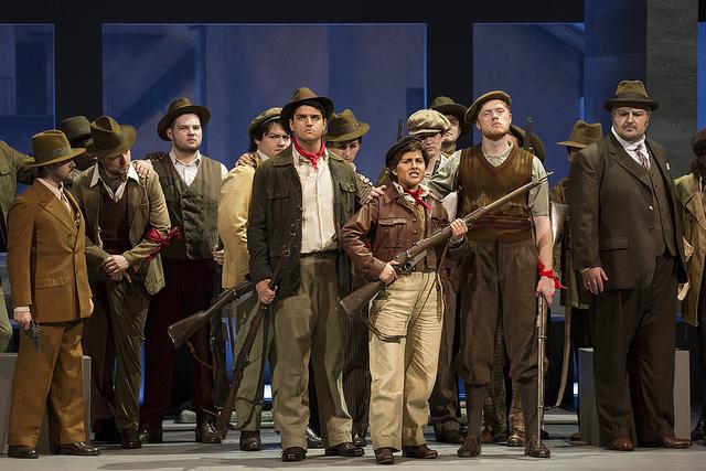 Cassandra Zoe Velasco (center) in Donizetti's Pia de' Tolomei. Photo by William Struhs.