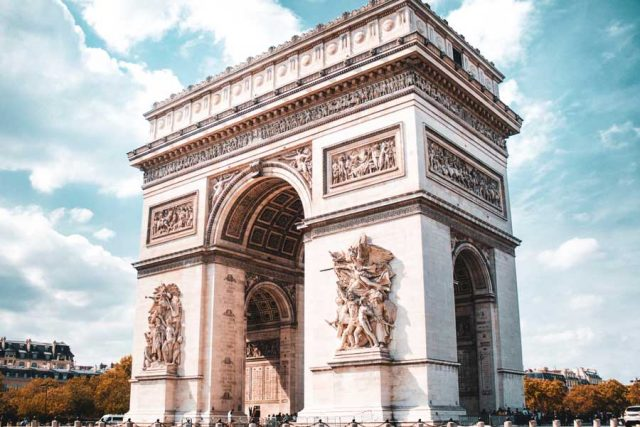 Arc de Triomphe, Place Charles de Gaulle, Paris, France.